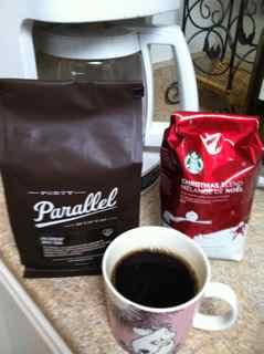 スターバックスのクリスマスブレンドと49th Parallel コーヒー