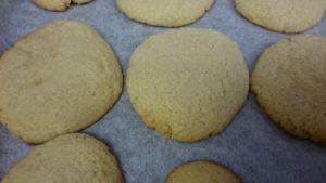 焼きたての低糖質シュガークッキー